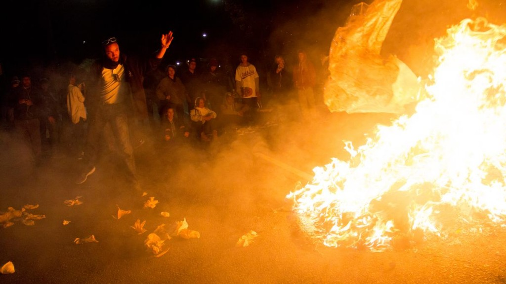 Oakland burning Nov 2014